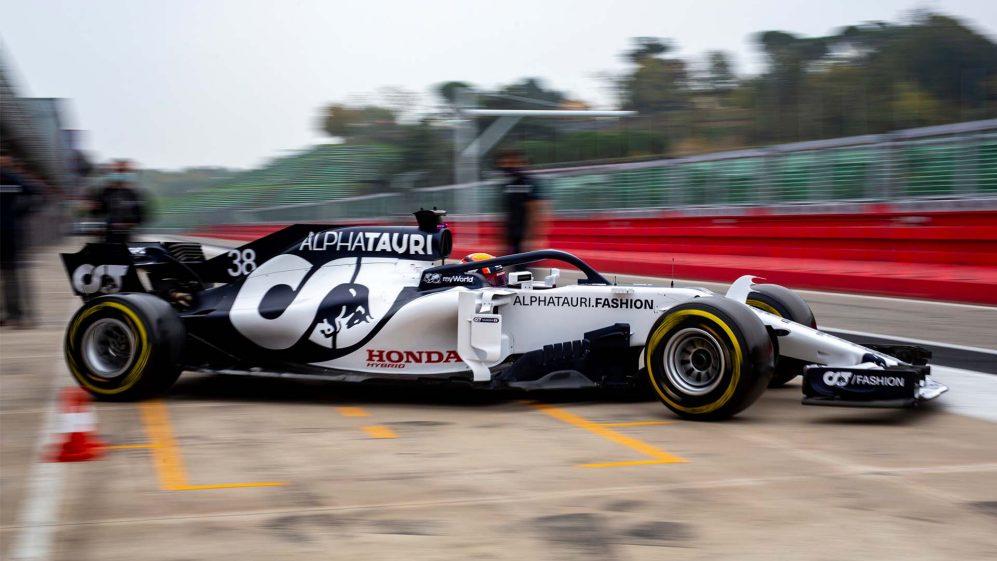Yuki Tsunoda in pista: preparativi per il debutto in F1.