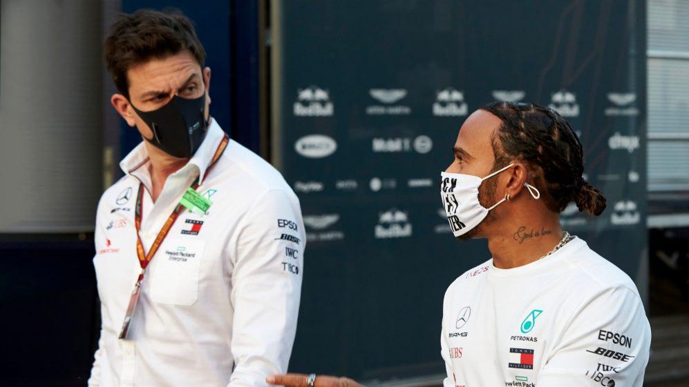Hamilton in Mercedes nel 2022? Toto Wolff risponde e sorprende!