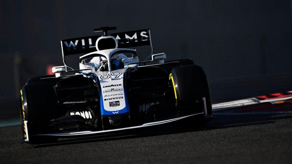 La Williams in pista con la monoposto di F1 del 2021.