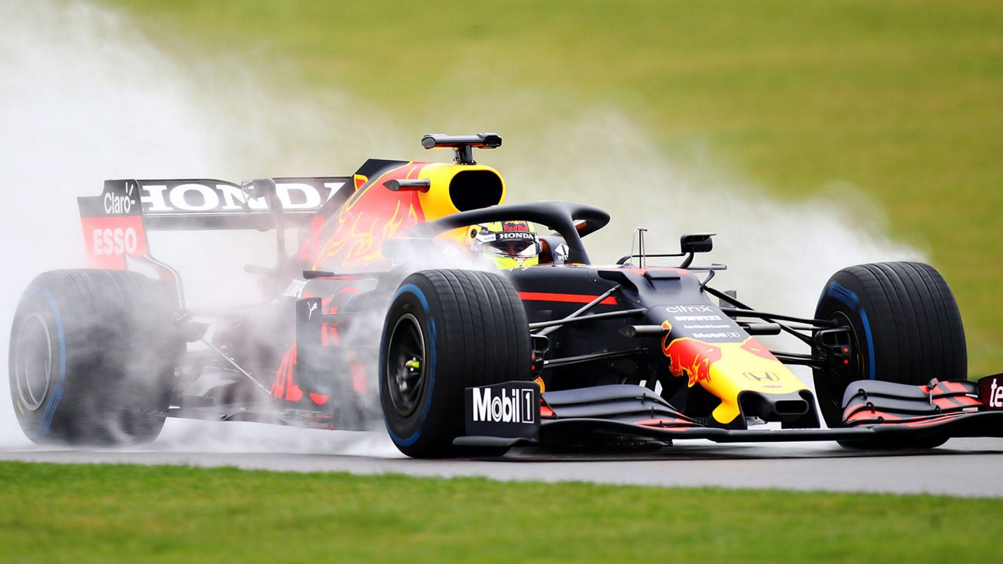 Sergio Perez in pista con la Red Bull del 2019.