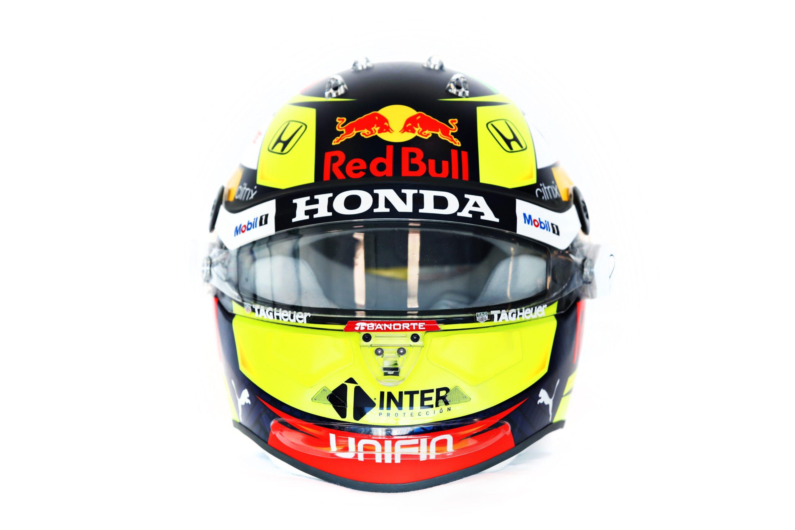 Ecco il nuovo casco di Sergio Perez per la stagione 2021.