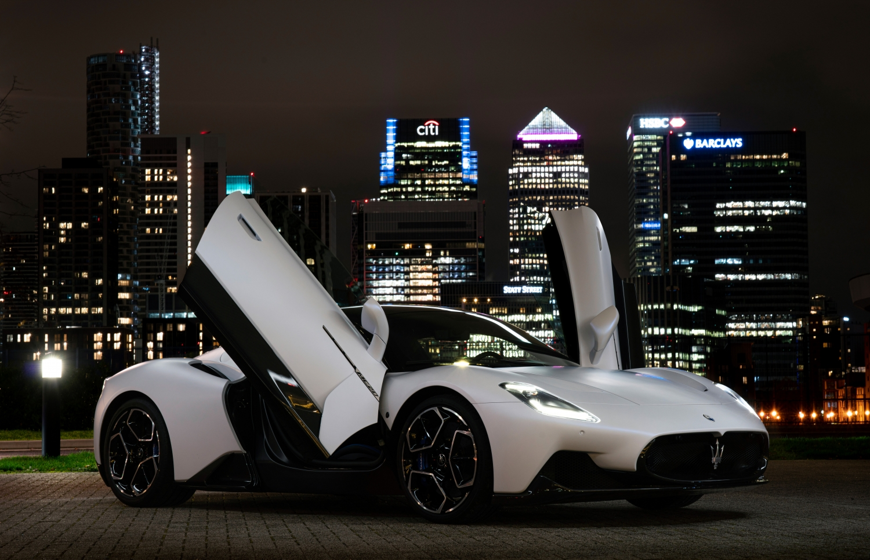 "Maserati MC20 eletta ""Super Sports Car of The Year""."