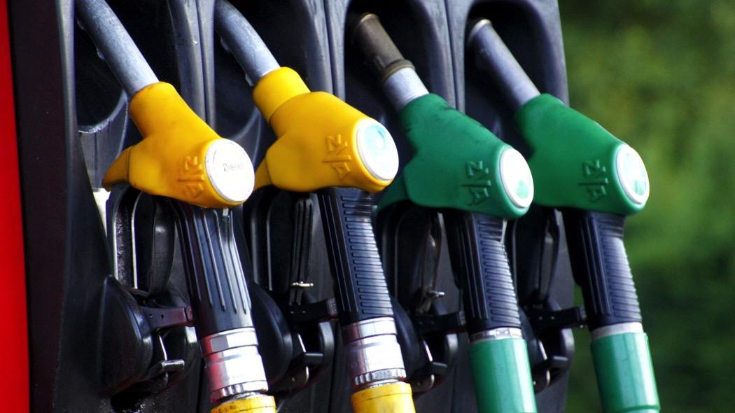 Benzina: il prezzo sale, adesso a 1,579 euro/l.