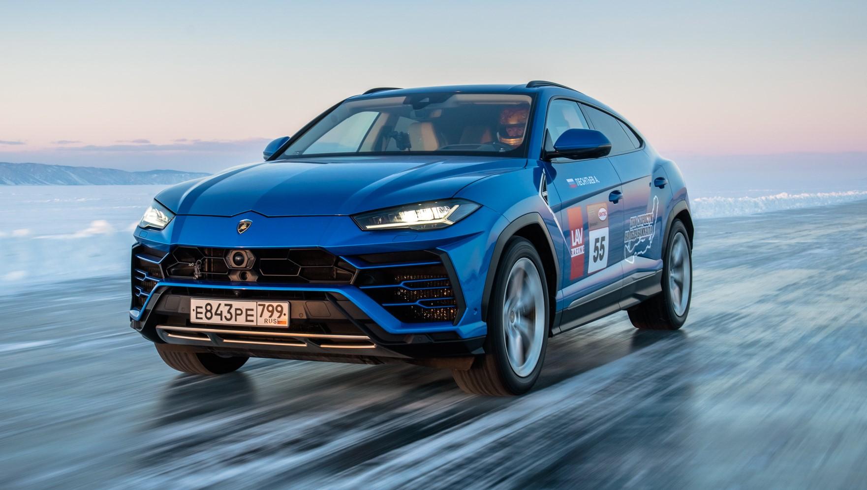Lamborghini Urus stabilisce il record di velocità sul ghiaccio.