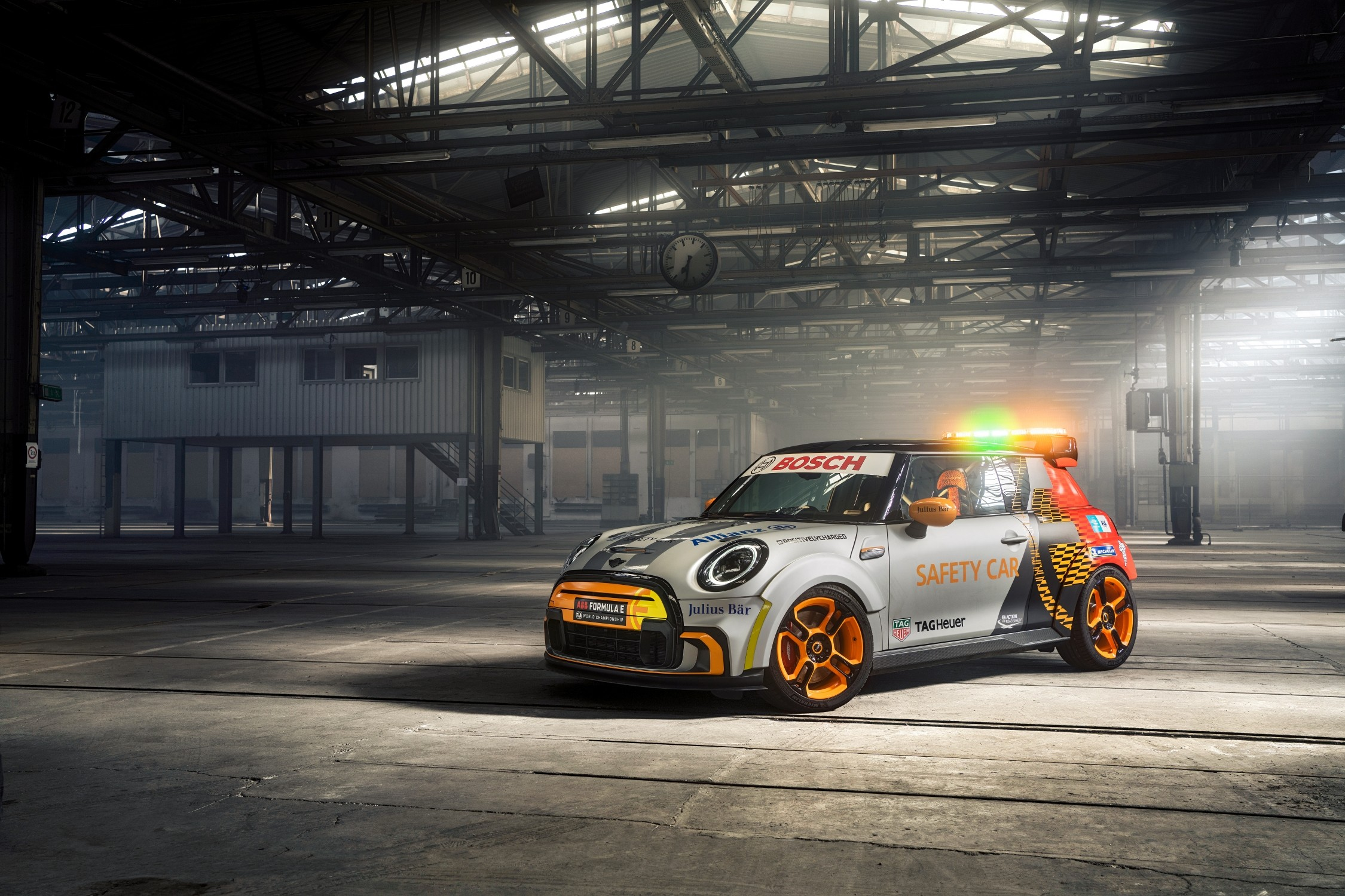 Mini Electric Pacesetter è la nuova Safety Car della Formula E.