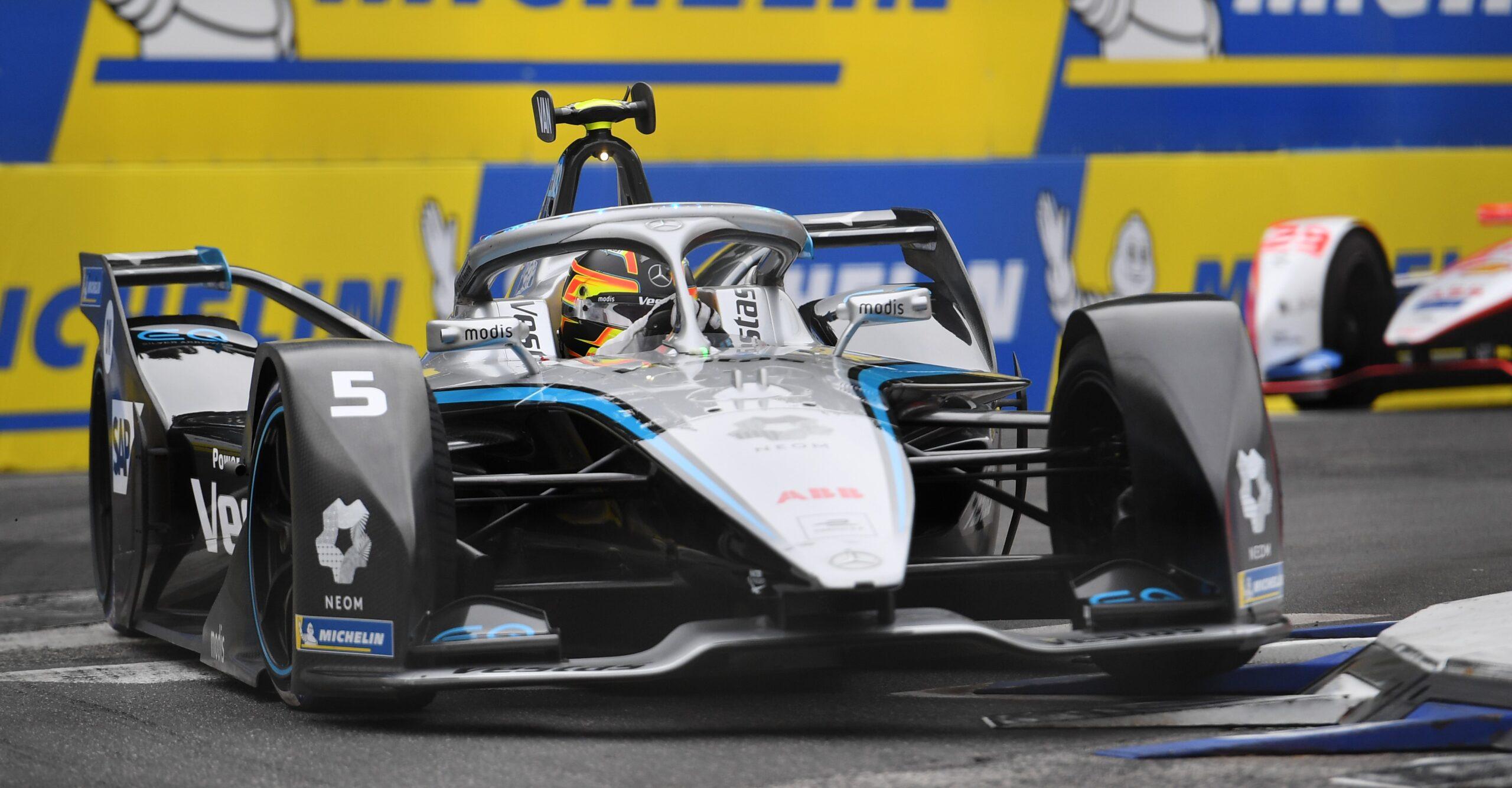 Gara E-Prix di Roma (Round 4) di Formula E: Vince Vandoorne con la sua Mercedes in una gara piena di colpi di scena.