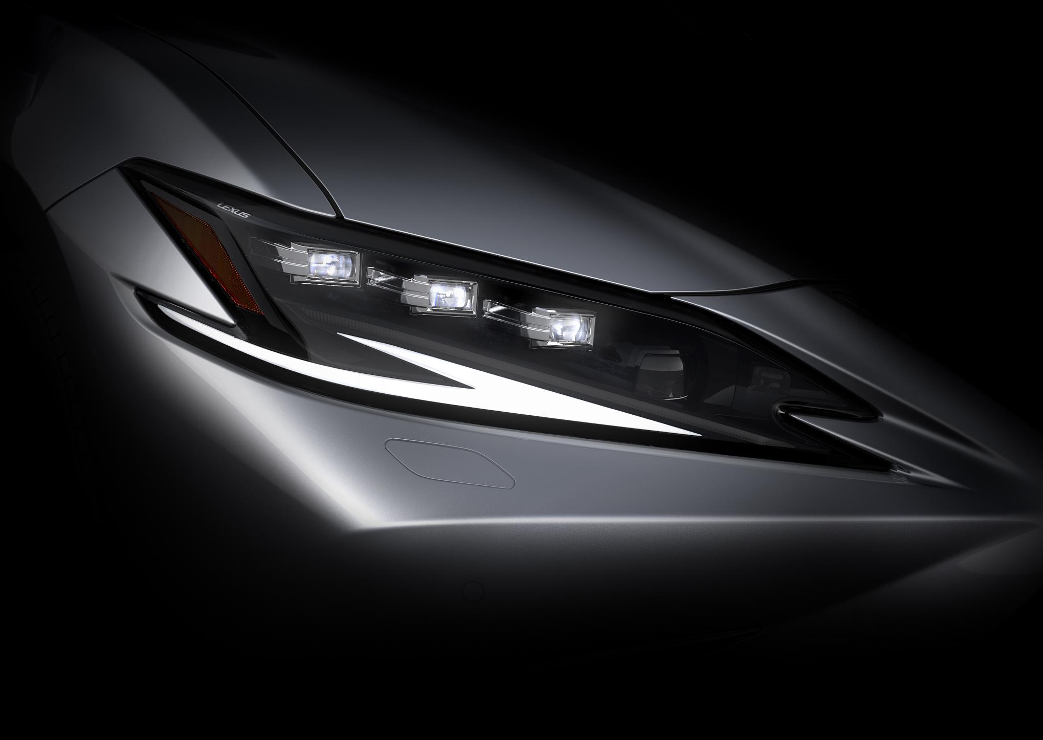 Teaser della nuova Lexus ES e data di presentazione.
