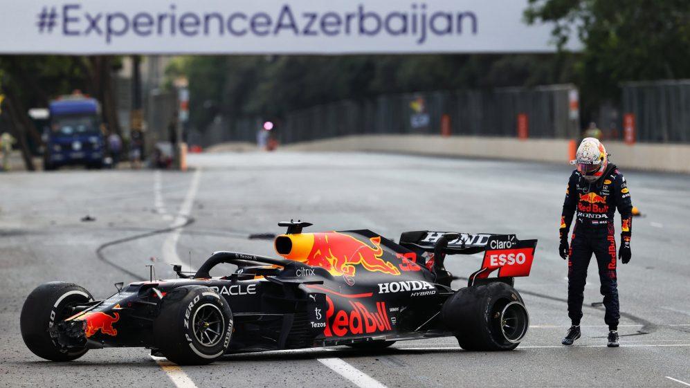 Gp di Baku di F1: Perez vince una gara pazza davanti a Vettel e Gasly, Hamilton e Verstappen fuori dai punti.