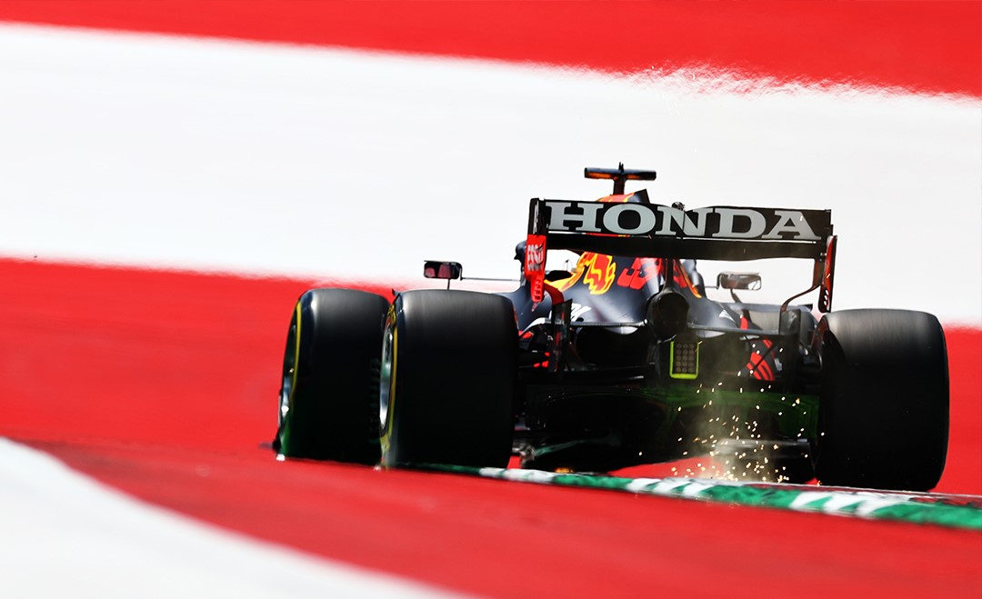 Prove libere 1 del Gp d'Austria: Verstappen primo, Ferrari 10° e 11°.