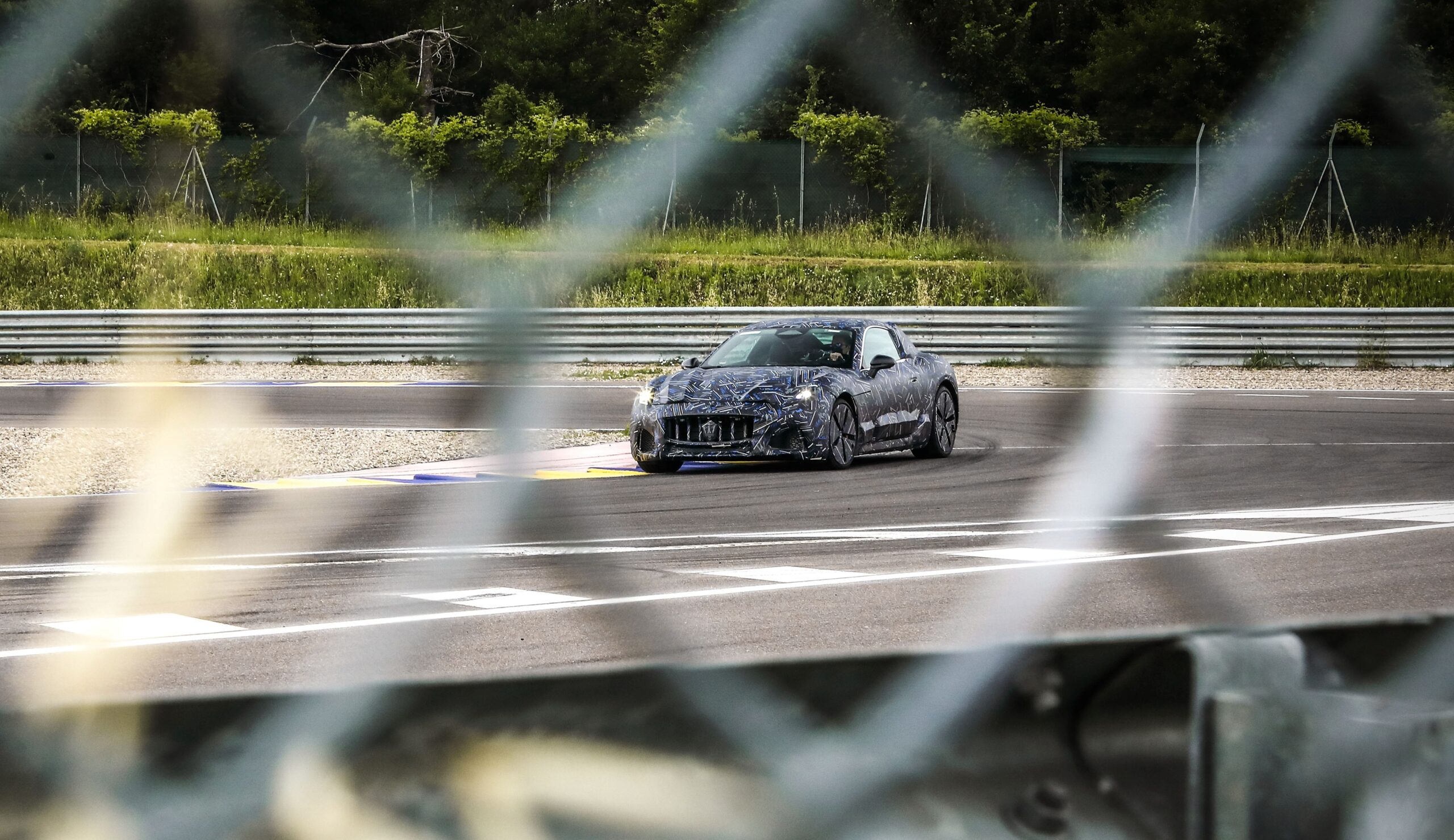 Maserati Granturismo: prime immagini della nuova vettura.