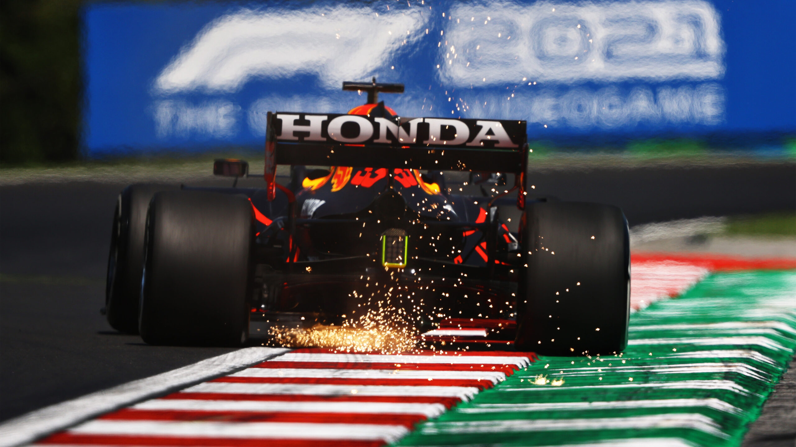 FP1 Gp Ungheria: Verstappen leader, Ferrari 4° e 7°.