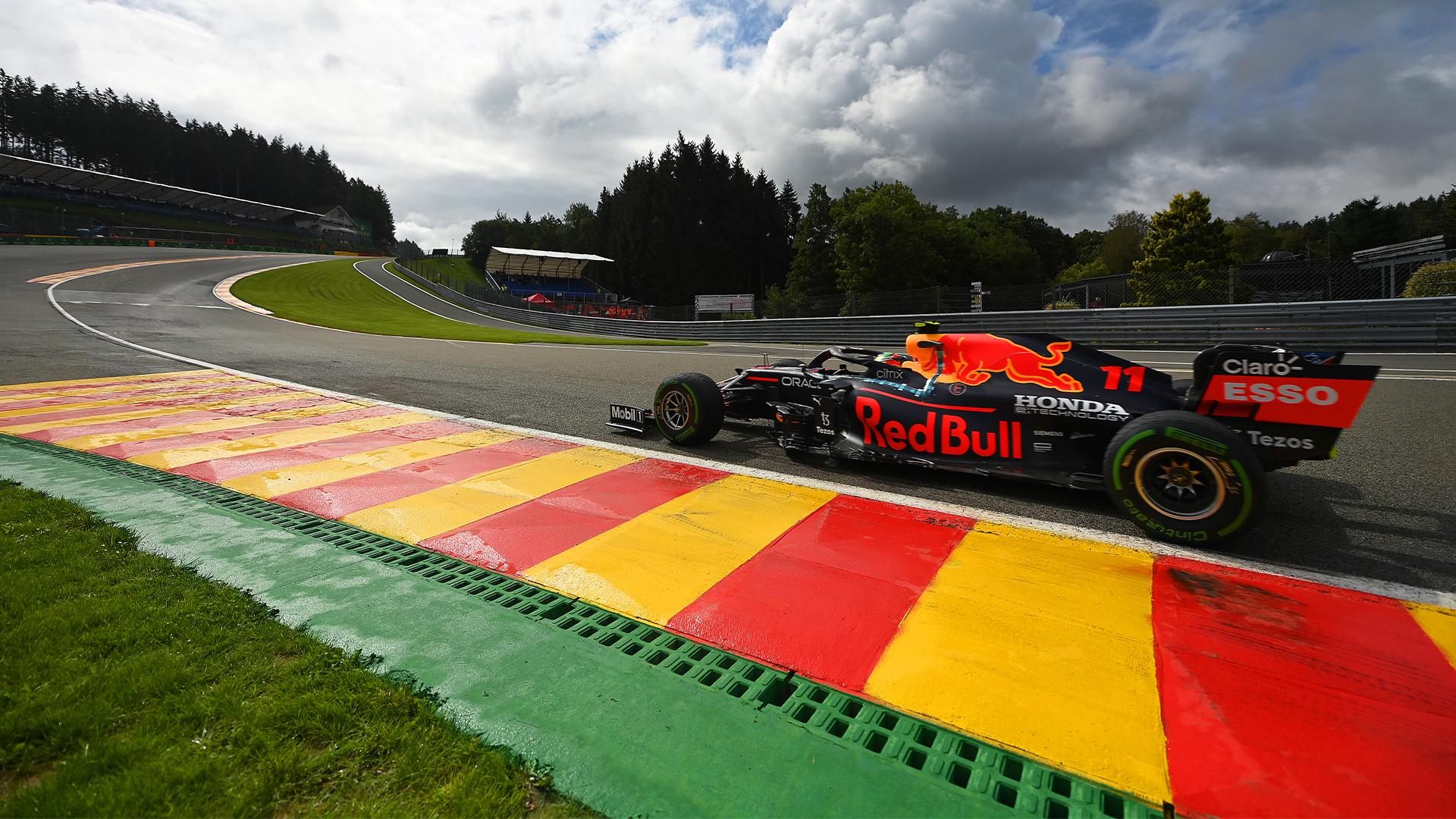 Sergio Perez rinnova il contratto con la Red Bull.