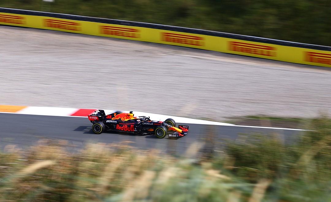 FP3, Gp Olanda: Verstappen domina, Sainz a muro e rischia di saltare la qualifica.