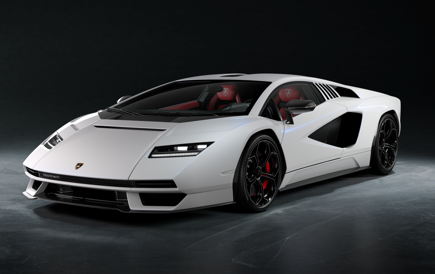 Pirelli e Lamborghini, 50 anni insieme con la Countach.