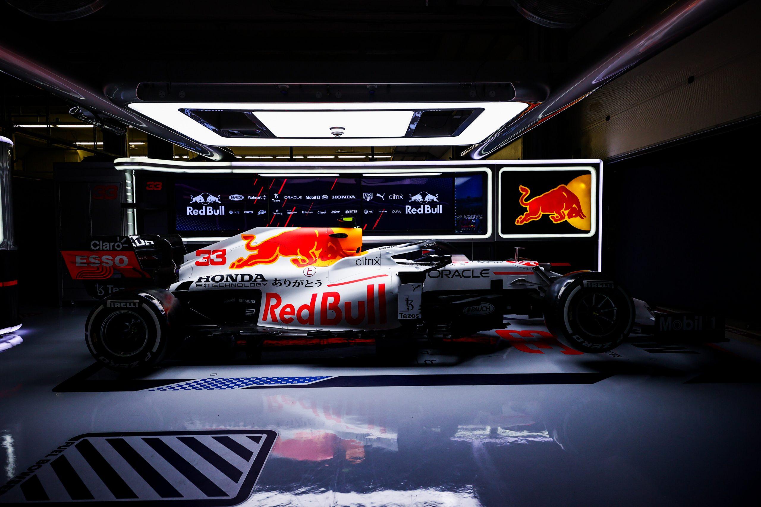 F1, Rivelata la nuova livrea Red Bull.
