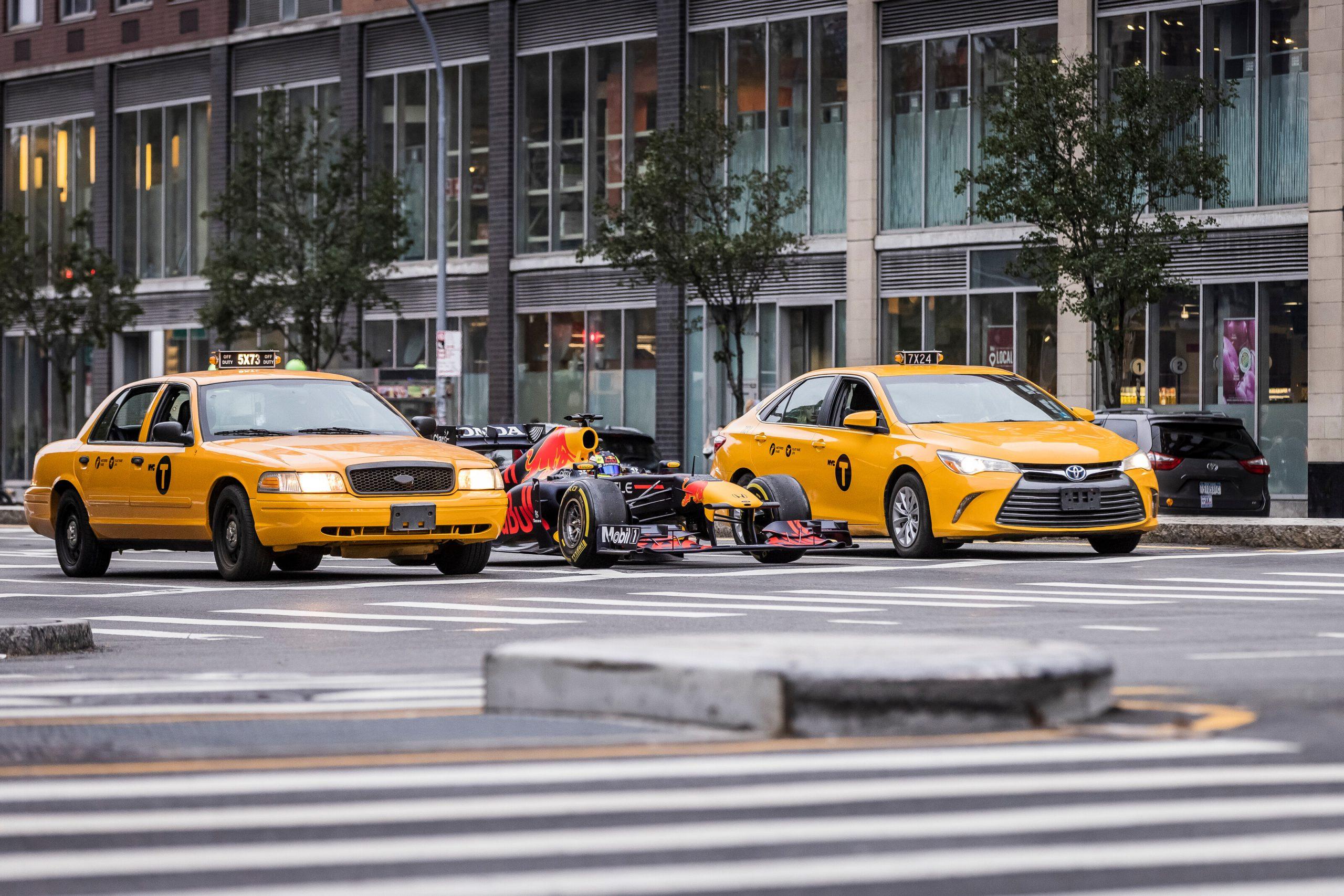 Red Bull porta la RB7 a New York.